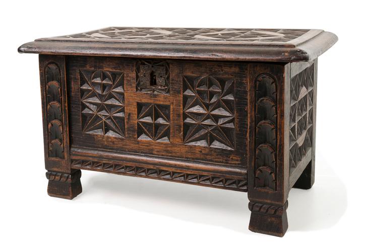 Muebles antiguas muebles antiguo oriental antiguas sillas par chipendale roble tapizado - Como tasar muebles antiguos ...