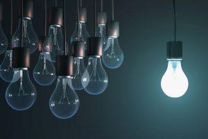 qué potencia de luz contratar