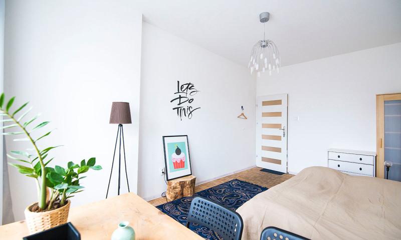 Alegra tu hogar con decoración basada en mensajes positivos