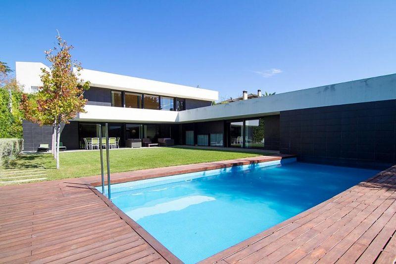 Las casas que te comprar as si te tocase la loter a for Piscina miralbueno