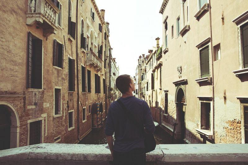 Jóvenes y vivienda, pros y contras para entrar en el mercado inmobiliario